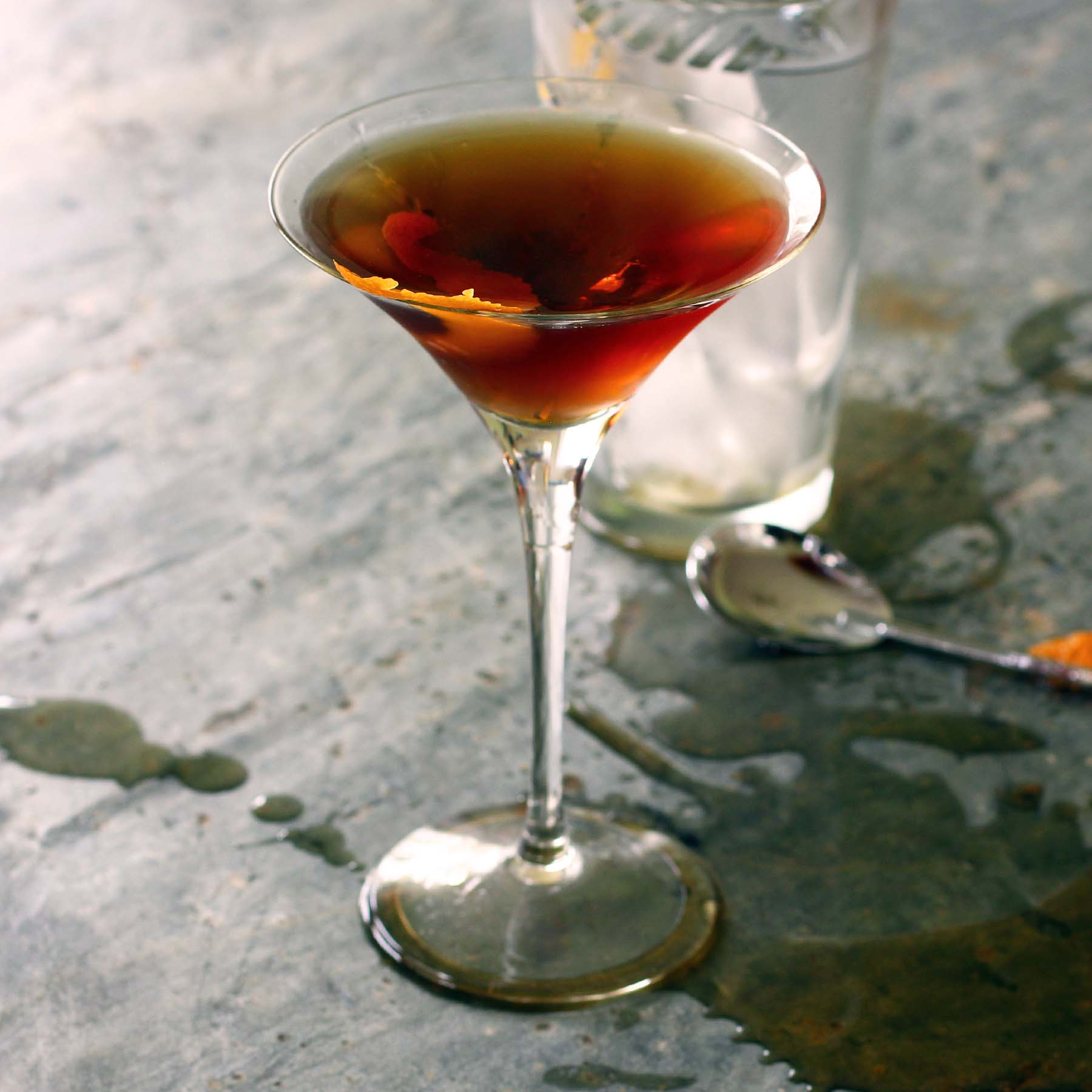 classic Manhattan cocktail - Recipe Fiction